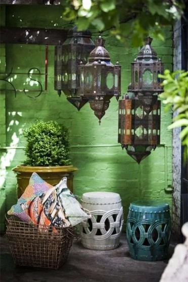 Small-backyard-dewcoration-moroccan-lanterns-exotic-ambience