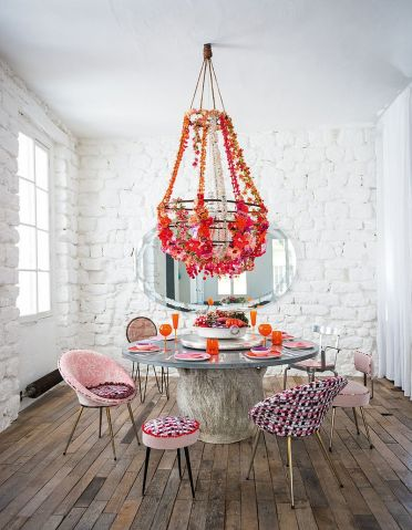 1-fabulous-shabby-chic-dining-room-with-floral-beauty-and-pops-of-pink