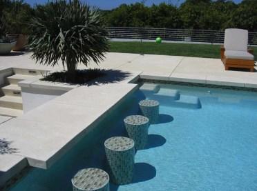 1-swim-up-pool-bar-ideas-07-1-kindesign