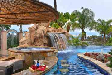 1-swim-up-pool-bar-ideas-17-1-kindesign