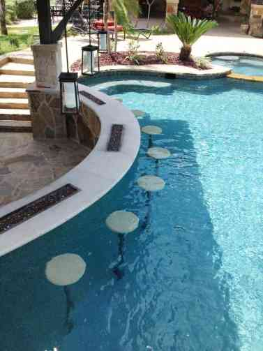 1-swim-up-pool-bar-ideas-18-1-kindesign