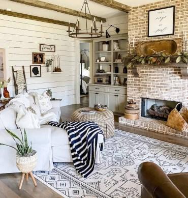 12-fireplace-decor-farmhouse-living-room-ideas-mcpetersfarmhouse
