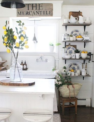 3-lemon-kitchen-home-decor-670x874-1
