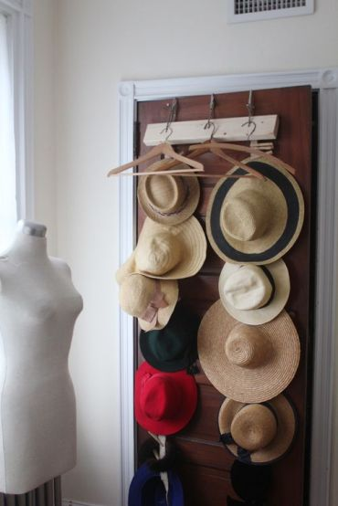 Diy-hat-rack-and-storage-ideas-7135234babfd62ce6352b7143f90201c