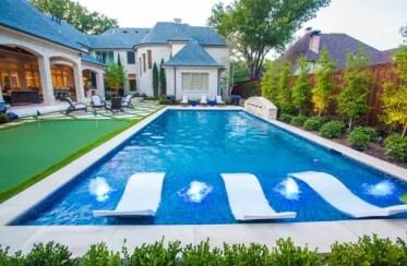 Shallow-pool-lounge-idea