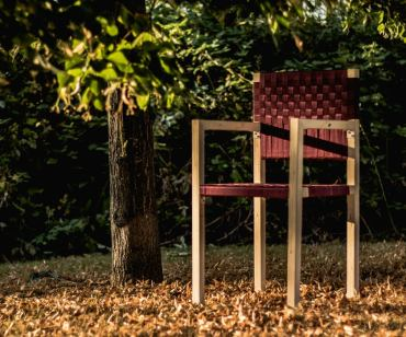 Simple-outdoor-chair