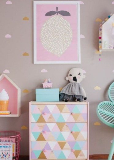 A-pastel-triangle-stenciled-tarva-dresser-is-a-cute-idea-for-a-little-girls-space