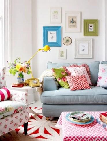 Cheerful-summer-living-room-decor-ideas-28-554x731-1