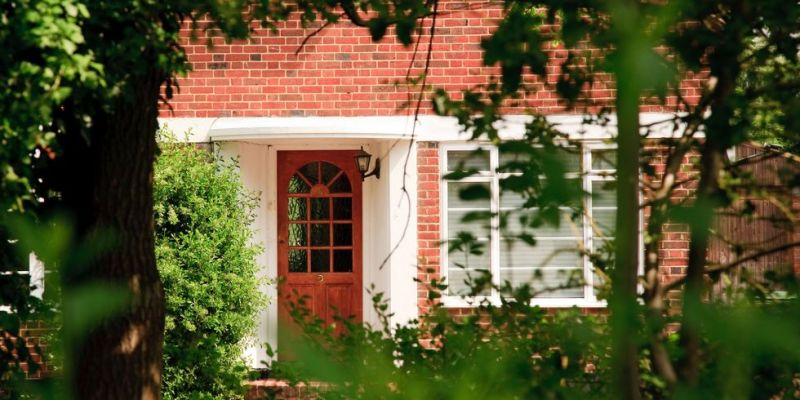 Front-door-to-home-in-suburban-england-royalty-free-image-1569925391