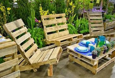 Recycling-wooden-pallets-outdoor-home-decorating-6