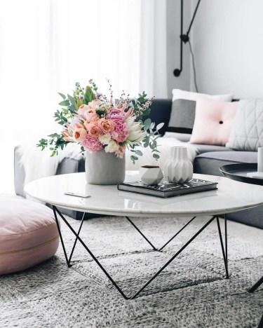 01-coffee-table-decorating-ideas-homebnc