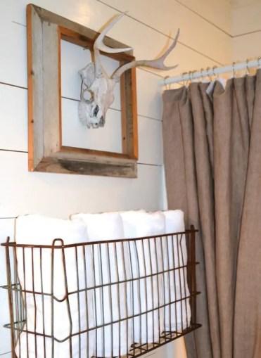 07-towel-storage-ideas-homebnc