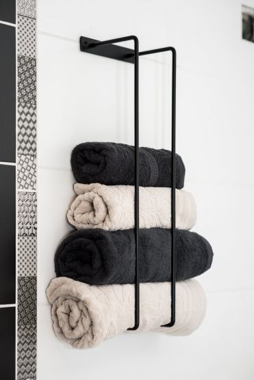 1-17-awesome-towel-rack-ideas-you-will-want-in-your-bathroom-1