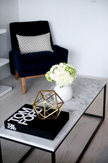 13-a-marble-inspired-coffee-tabletop-adds-interest-to-the-space