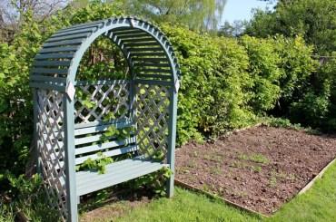 29-garden-hedge-designs-870x579-1