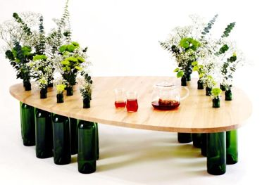 5-table-made-of-wine-bottles