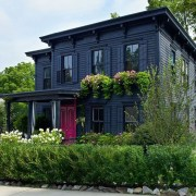 Gorgeous-black-house-exterior-design-ideas-for-inspiration-01