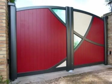 Modern-metal-garden-gates-aluminum-red-color-glass-panels