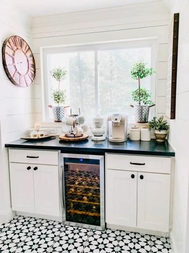 Sunflowers-and-hydrangeas-fall-kitchen-5-2