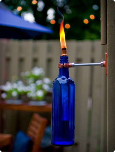 Awesome-diy-wine-bottle-crafts-for-outdoors-2