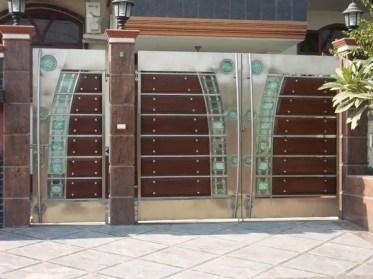 Modern-exterior-design-ideas-metal-garden-gate-design-ideas-glass-wood-panels