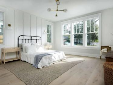 Traditional-style-primary-bedroom-feb192021-04-min