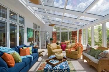 Sunroom-tradizionale-design-con-due-zone-di-conversazione-750x498-1