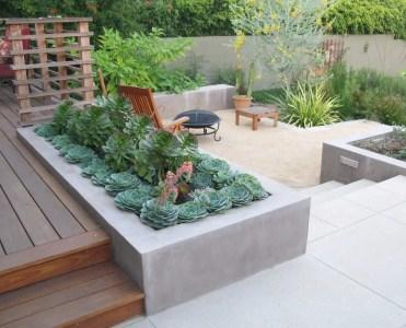 02-built-in-planter-ideas-homebnc
