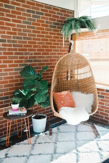05-a-wicker-chair-is-ideal-for-a-mid-century-modern-interior