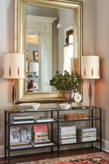 09-oversized-rectangle-mirror-in-a-gilded-frame-makes-a-statement
