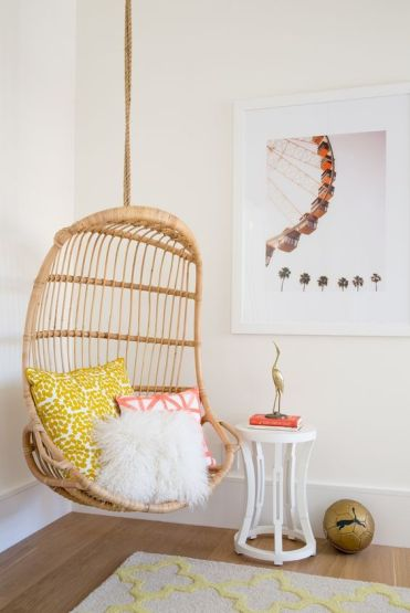 12-a-rattan-suspended-chair-is-great-for-a-teenage-girl-bedroom