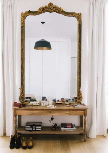 21-oversized-mirror-in-a-refined-frame-with-detailing
