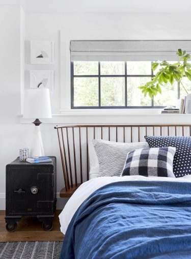 Emily-henderson-portland-traditional-guest-bedroom7-scaled-1