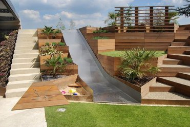 Planter-garden-with-stairs-40306-61170