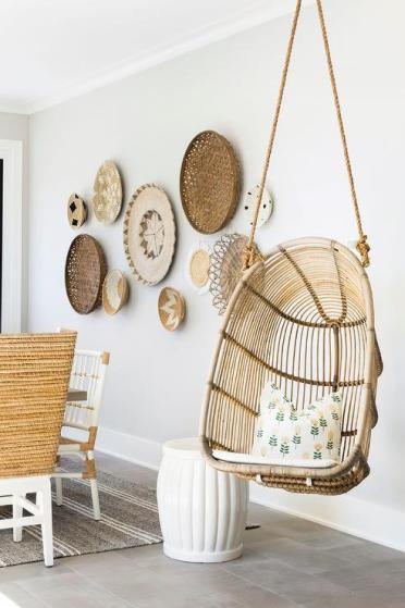 Dining-room-with-wall-baskets