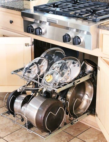 Kitchen-cabinet-pots-and-pans-organization