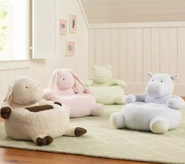 Nursery-room-furniture-ideas-cute-poufs-for-toddlers