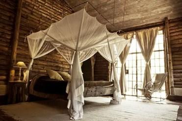 Safari-inspired-bedroom-baldaqino