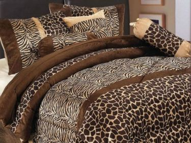 Small-bedroom-decoration-ideas-bedding-set-exotic-african-pattern