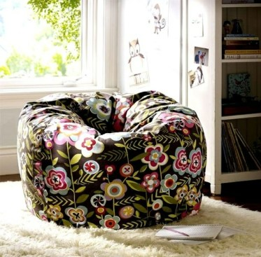 The-beanbag-chair-in-the-nursery-33-cool-decorating-ideas-9-1519380429