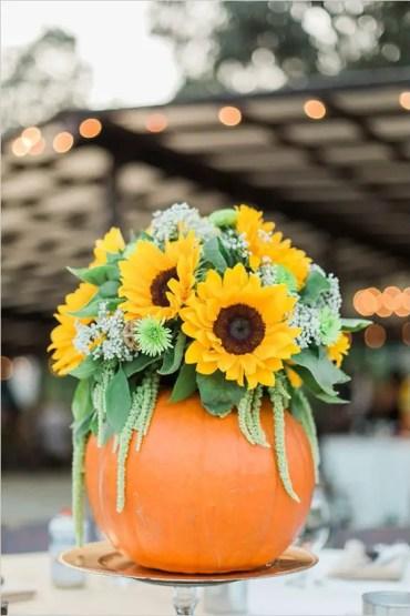 05-pumpkin-vase-and-flowers-centerpiece