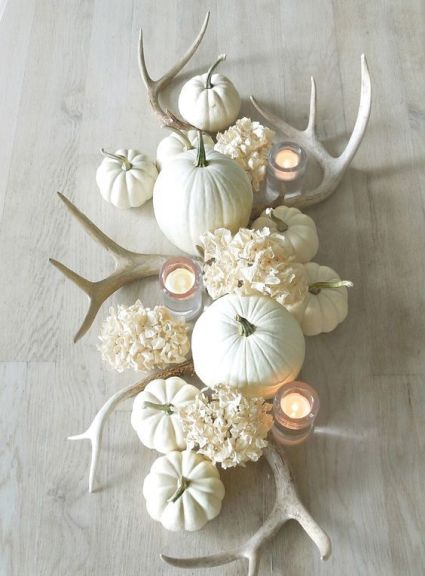 09-all-white-fall-table-centerpiece-with-pumpkins-antlers-and-flowers