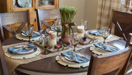 1-f1all-dining-room-ideas-postcards-from-the-ridge-790x526-1