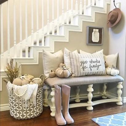 1-farmhouse-fall-foyer-decor.-i_heart_home_design-via-instagram