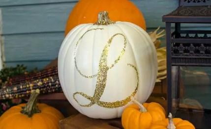 1-glitter-monogram-pumpkin-30-pumpkin-decorating-ideas-via-fox-hollow-cottage