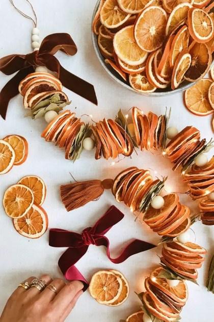 1-super-cool-diy-dried-orange-garland-ideas-12