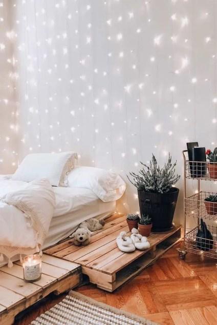 1-bedroom-string-lights-decor-ideas-rustic-cozy