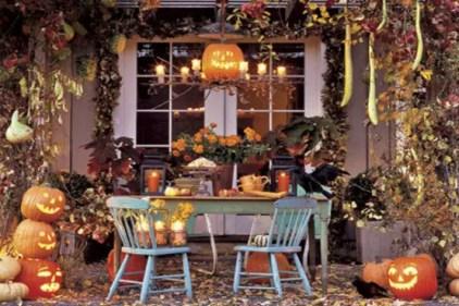 1-outdoor-hallowen-decorating-ideas-50-554x369-1