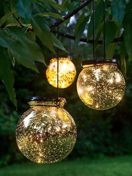 10-magical-outdoor-decor-projects-fairy-lights-5