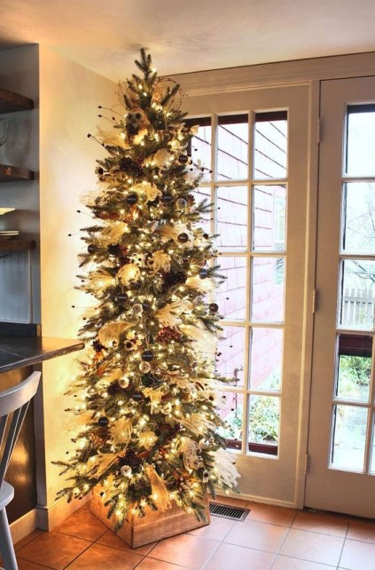 12-a-elegant-fall-and-thanksgiving-tree-with-lights-owls-black-chalkboard-ornaments-beads-and-branches
